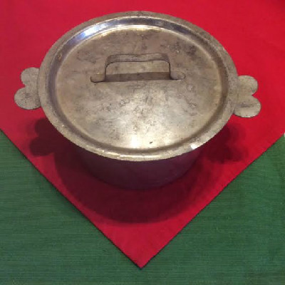 French #10 Tin Pudding Mold w/ Heart Handles