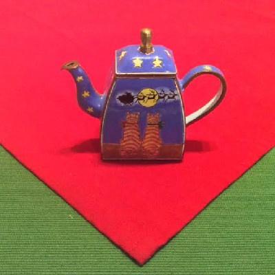 Kelvin Chen Style - Enamel Copper Cloisonne Tea Pot - Orange Cats Watching Santa