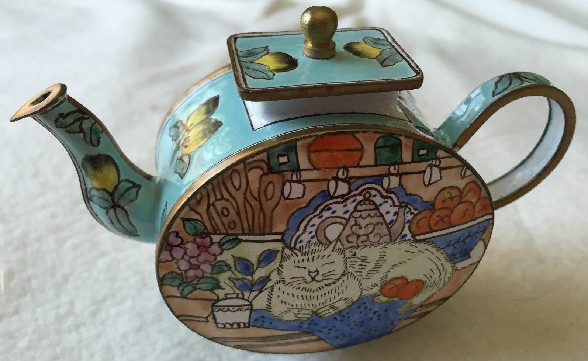 Kelvin Chen Style – Enamel Copper Cloisonne Tea Pot – White Cat w/ Oranges & Lemons