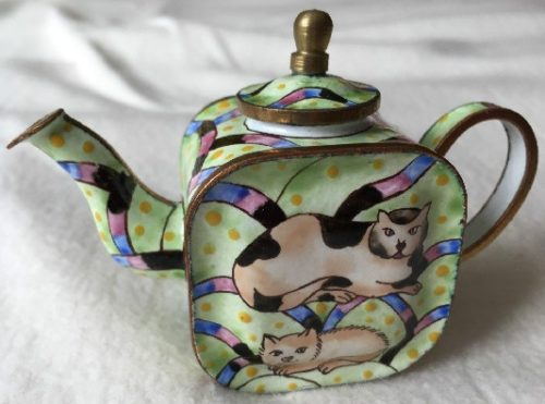 Kelvin Chen Style – Enamel Copper Cloisonne Tea Pot – Tan Buddha Cats