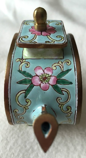 Kelvin Chen Style – Enamel Copper Cloisonne Tea Pot – Gray Cat Face In Flowers