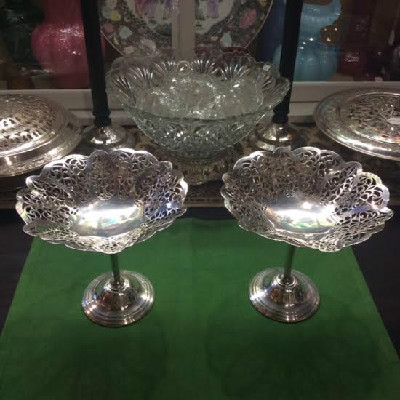"Pair - Vintage - Ca. 1936 - International Silver Silver Plate ""Lovelace"" Pattern Compotes"