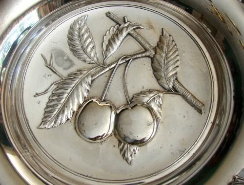19th c. - Aesthetic Era - Pairpoint Silver Plate Bridal Basket w/ Turtle Doves & Cherries