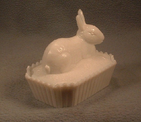 White Milk Glass Rabbit On Nest Candy Dish - Vintage Westmoreland