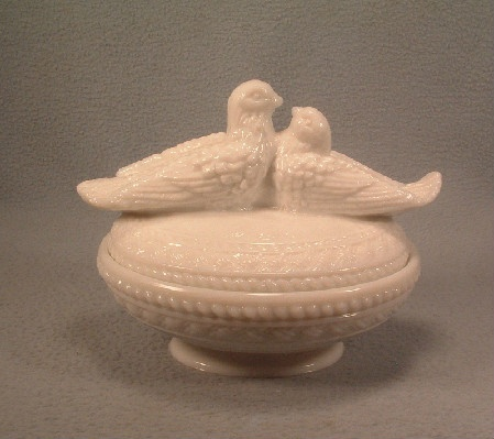 White Milk Glass Kissing Doves Covered Candy Dish - Vintage Westmoreland