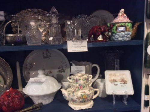 Tea Pots & Tea Tile
