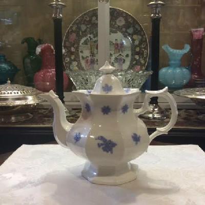 Chelsea Blue - Porcelain Tea Pot - Antique - Adderley England Ca. 1900 - A Timeless & Classic Form