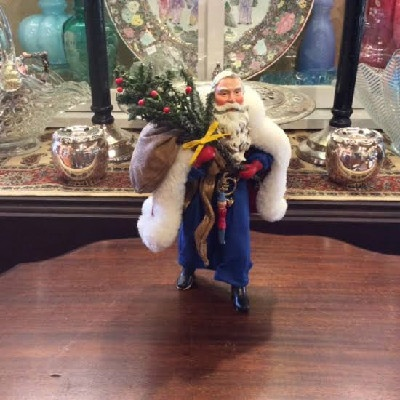 Clothtique Possible Dreams Santa Claus In Red Robe w/ Tree & Bag of Toys - 2003 - Vintage