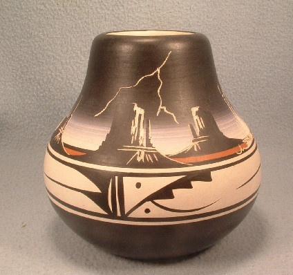 Navajo Indian Pottery Vase / Jar - Signed Navajo w/ Artisan Signature