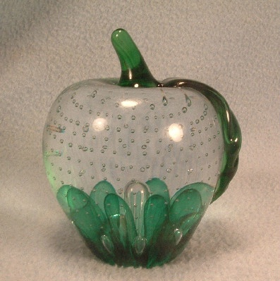 Gibson Glass - Millenium 2000 - Controlled Bubbles - Apple Paperweight