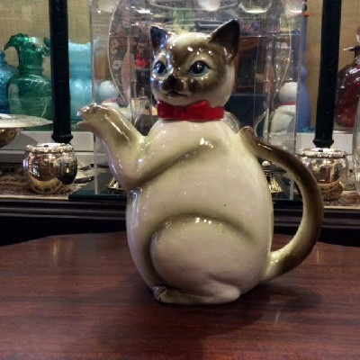 Delightful Cat Tea Pot - Kitty Tea Pot - Vintage - Unmarked - In the Style of German Erphila Majolica Teapots