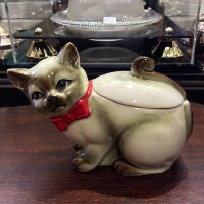 Cat Covered Sugar / Tea Caddy - Kitty Covered Sugar / Tea Caddy - Vintage - Unmarked - In the Style of German Erphila Majolica Figural Pieces
