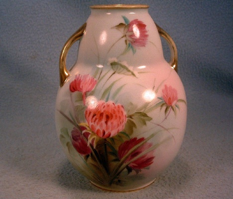 Red Clover Decorated 2 Handled Vase - Vintage - Hand Painted Nippon