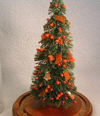 Bottle Brush Christmas Tree w/ Berries & Mini Ornaments In Glass Dome - Vintage - 7.5 Inches Tall