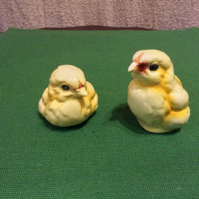 Two Goebel Yellow Baby Chicks - Peeps - Goebel Figurines